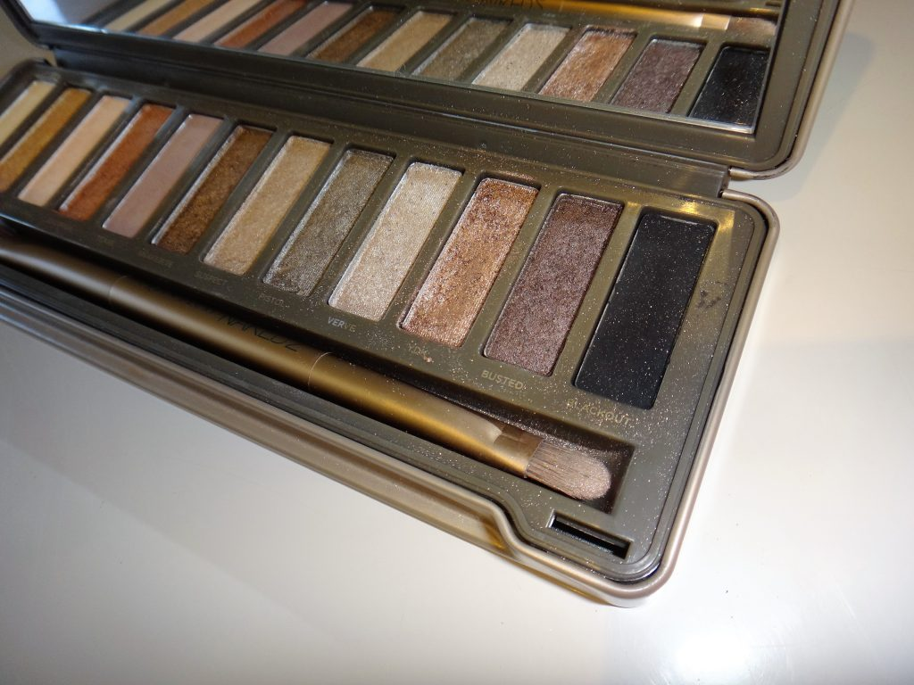 fard palette naked 2