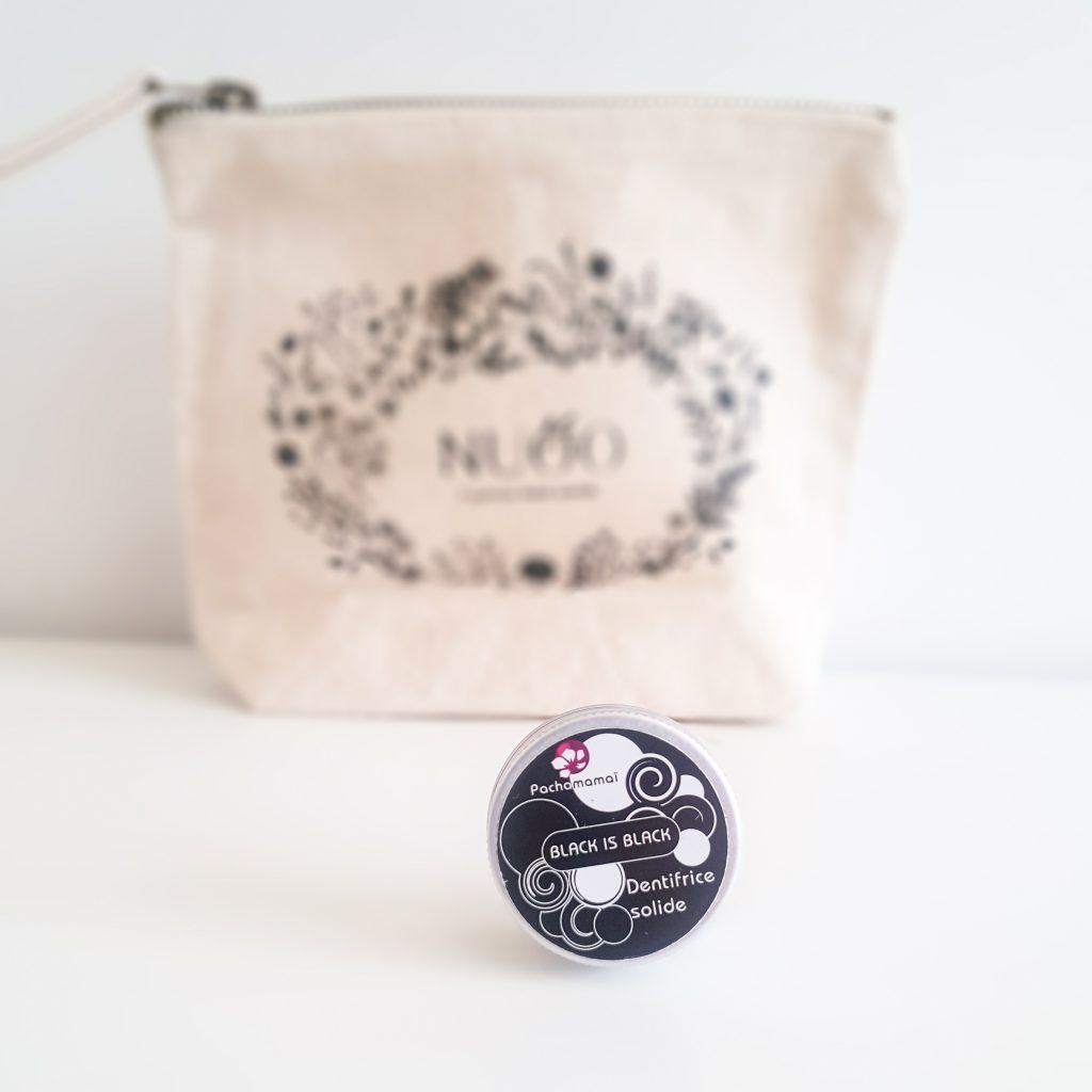 Secrets de beauté (Nuoo Box – Mai 2018) PACHAMAMAÏ – Dentifrice solide Black is black