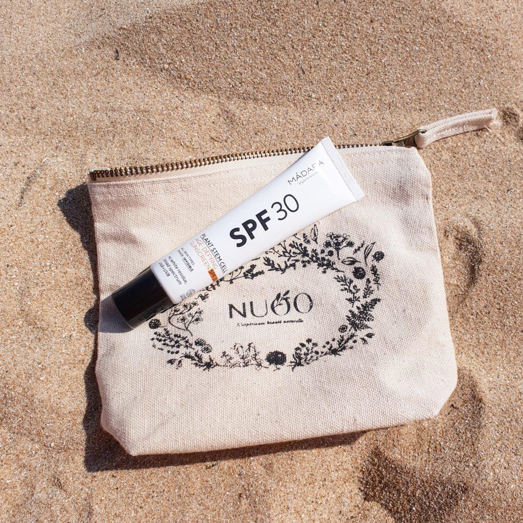 Protéger sa peau avec la crème solaire visage de Mádara