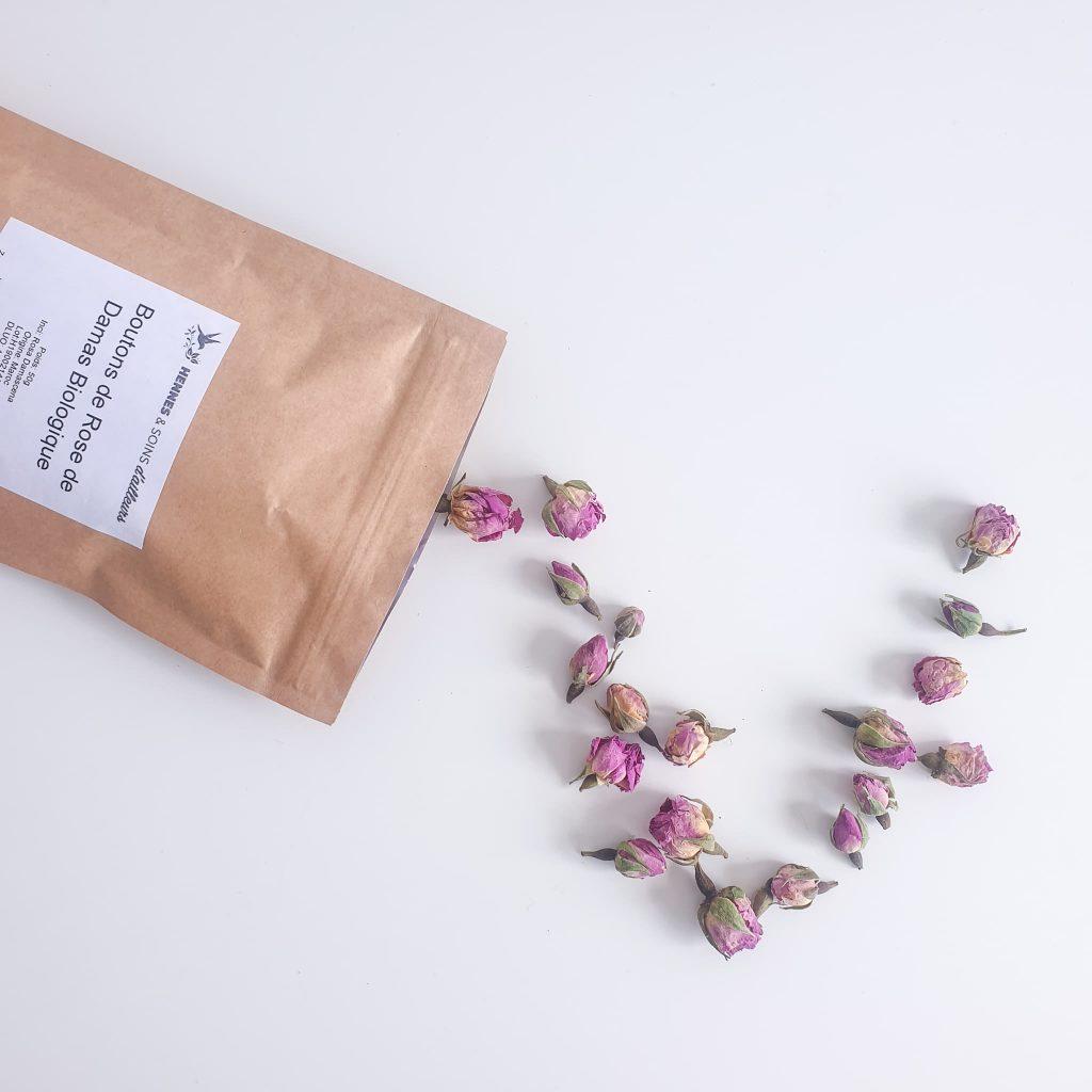 recette comment faire son eau de rose avec des boutons de rose de damas