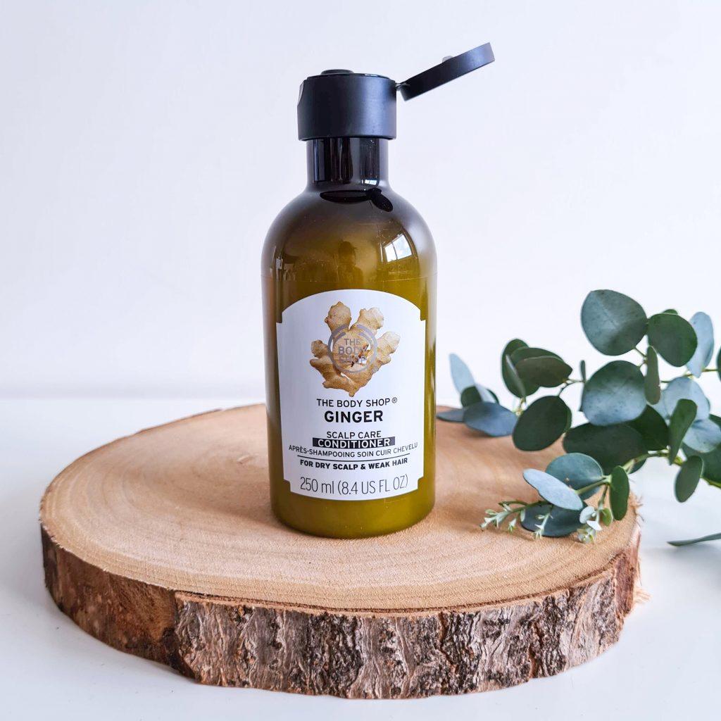 Soin après-shampoing au gingembre de la marque The Body Shop à utiliser sur le cuir chevelu, les longueurs et les pointes
