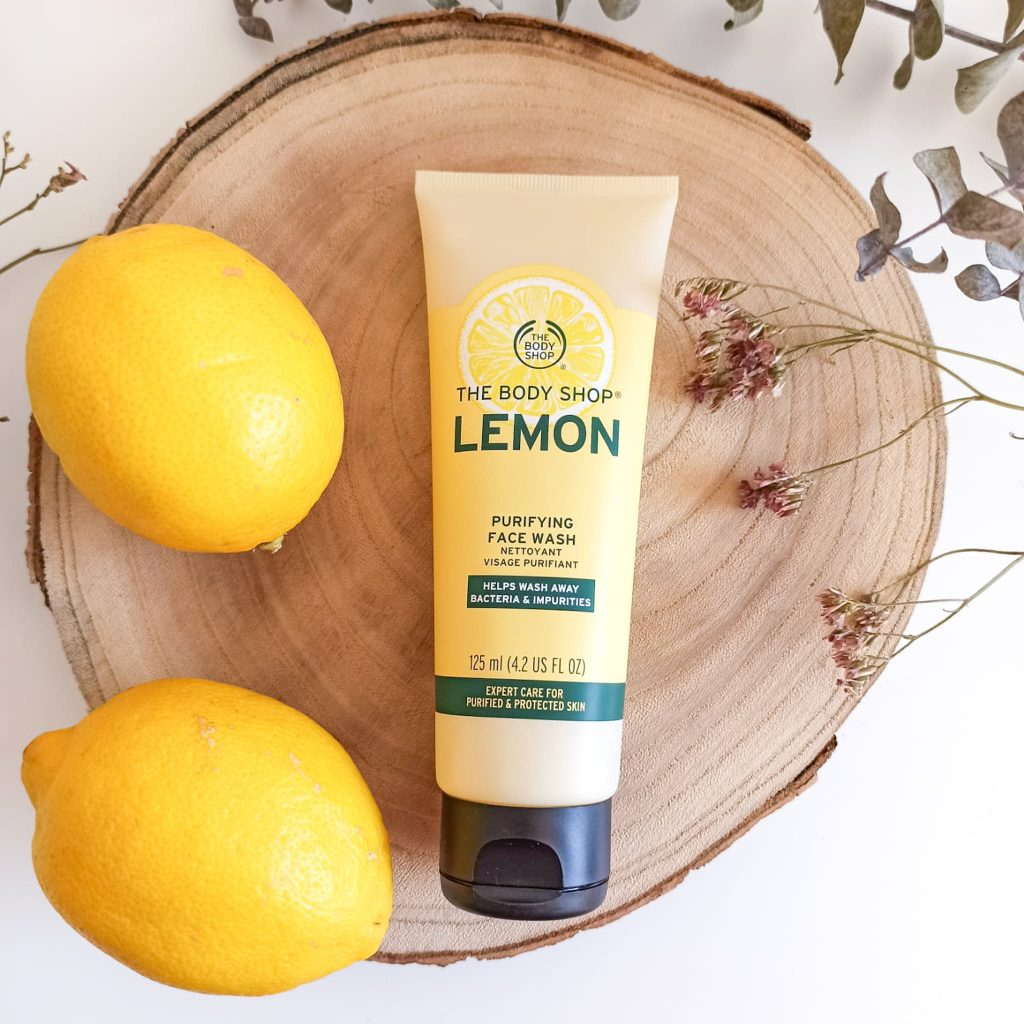 Nettoyant purifiant pour le visage au citron de la marque The Body Shop