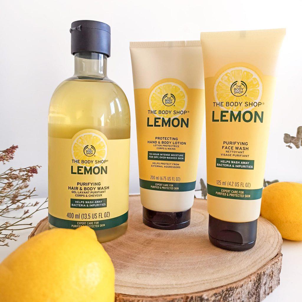 Gamme au citron de The body shop contenant un gel lavant corps et cheveux, un nettoyant visage et un lait corporel