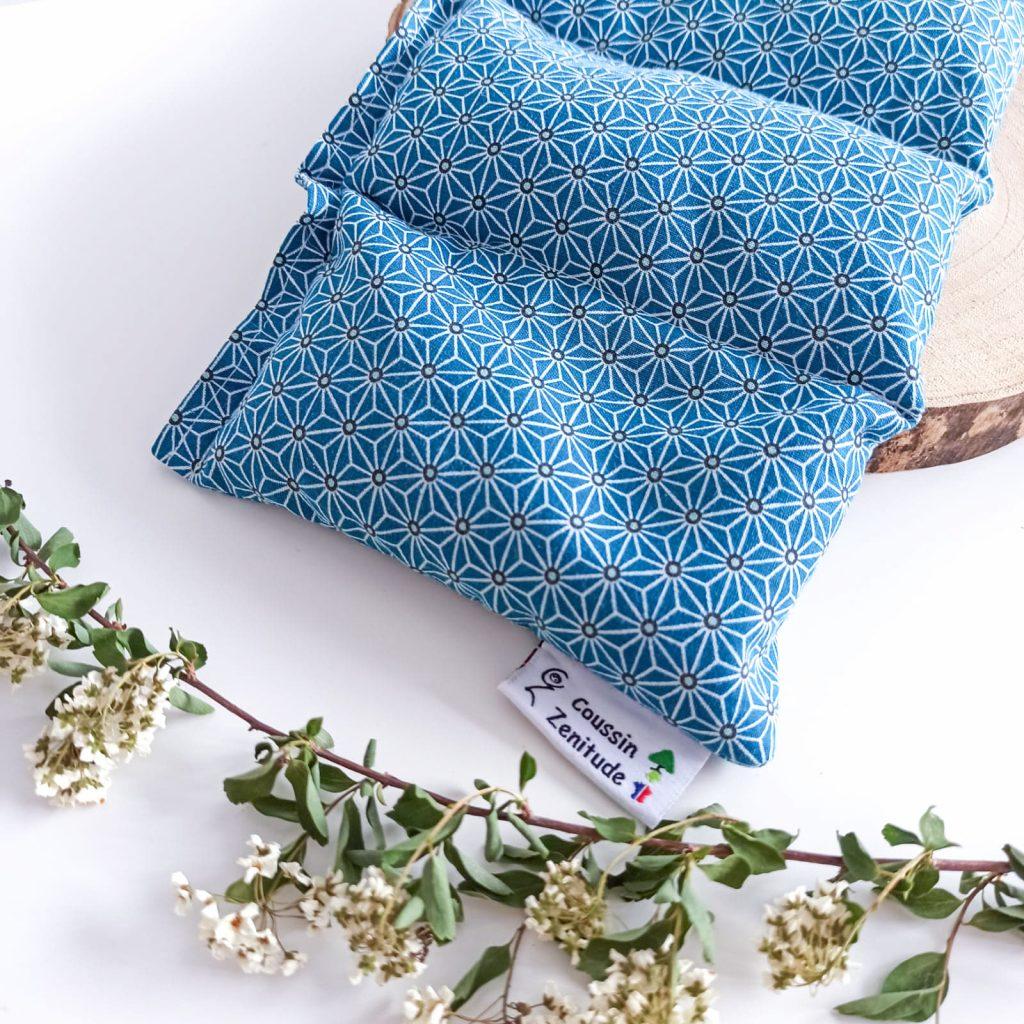 Bouillotte bleu à motifs de la marque coussin zenitude